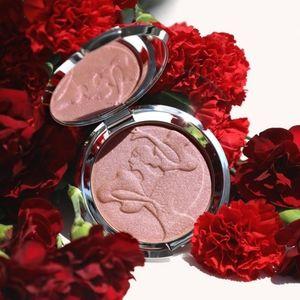 "🌹Becca ""Spanish Rose Gold"" Skin Perfector!"